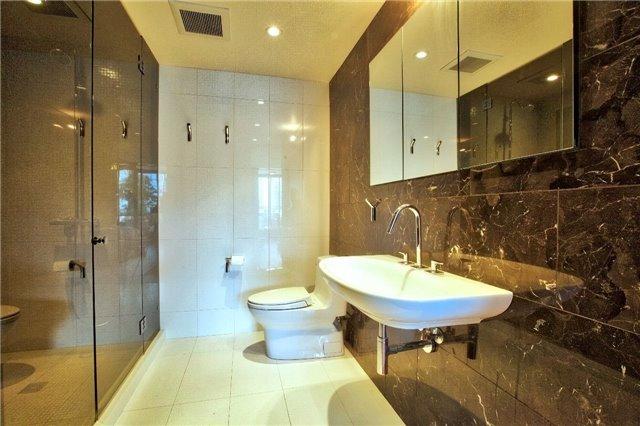 Condo Apartment at 438 King St W, Unit 1312, Toronto, Ontario. Image 7