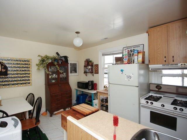 Duplex at 202 Mc Caul St, Toronto, Ontario. Image 15
