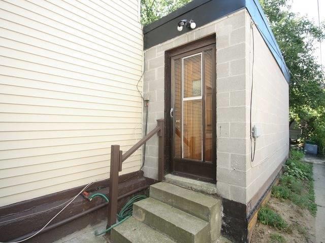Duplex at 202 Mc Caul St, Toronto, Ontario. Image 6