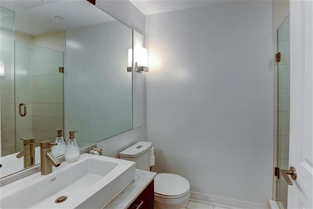 Condo Apartment at 8 Mercer St, Unit 1203, Toronto, Ontario. Image 4