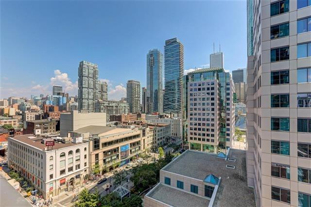 Condo Apartment at 8 Mercer St, Unit 1203, Toronto, Ontario. Image 7