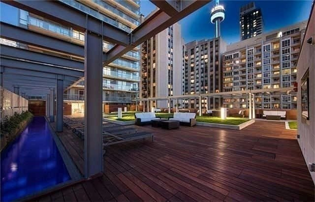 Condo Apartment at 8 Mercer St, Unit 1203, Toronto, Ontario. Image 8