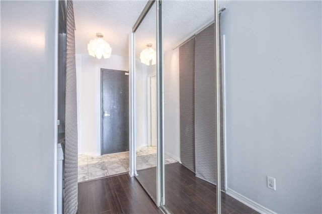 Condo Apartment at 25 The Esplanade, Unit 320, Toronto, Ontario. Image 14