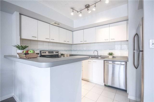 Condo Apartment at 25 The Esplanade, Unit 320, Toronto, Ontario. Image 18