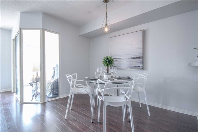 Condo Apartment at 25 The Esplanade, Unit 320, Toronto, Ontario. Image 4