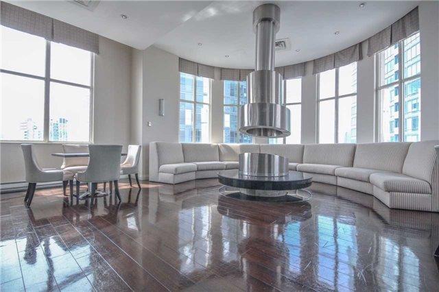 Condo Apartment at 25 The Esplanade, Unit 320, Toronto, Ontario. Image 9