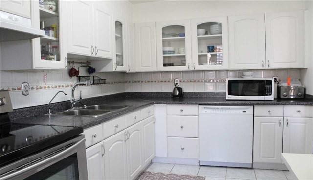 Condo Apartment at 10 Edgecliff Gfwy, Unit 1216, Toronto, Ontario. Image 17