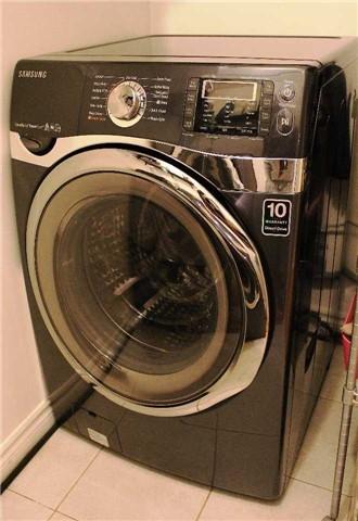 Condo Apartment at 10 Edgecliff Gfwy, Unit 1216, Toronto, Ontario. Image 2
