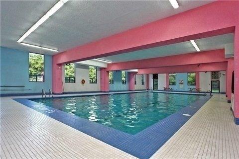 Condo Apartment at 10 Edgecliff Gfwy, Unit 1216, Toronto, Ontario. Image 10