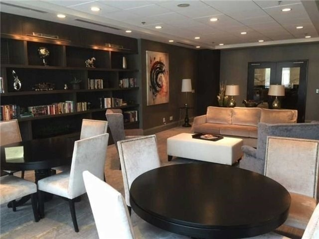 Condo Apartment at 825 Church St, Unit 2708, Toronto, Ontario. Image 13