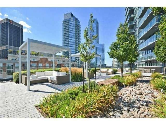 Condo Apartment at 825 Church St, Unit 2708, Toronto, Ontario. Image 7