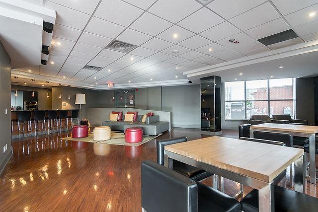 Condo Apartment at 801 King St W, Unit 1007, Toronto, Ontario. Image 4