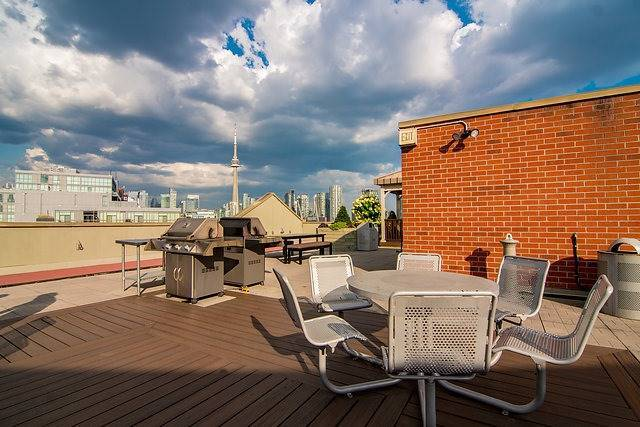 Condo Apartment at 801 King St W, Unit 1007, Toronto, Ontario. Image 6