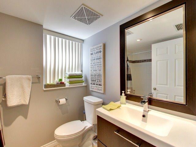 Condo Apartment at 270 Wellington St W, Unit 306, Toronto, Ontario. Image 4