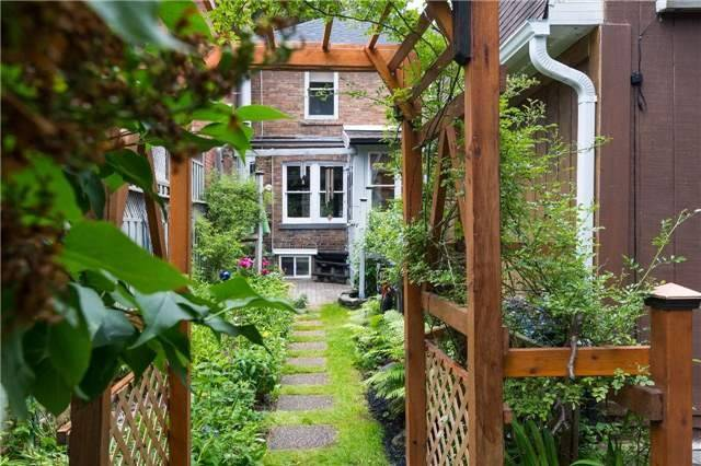 Detached at 114 Forman Ave, Toronto, Ontario. Image 9