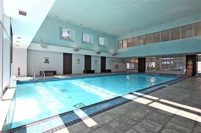 Condo Apartment at 218 Queens Quay W, Unit 1011, Toronto, Ontario. Image 11