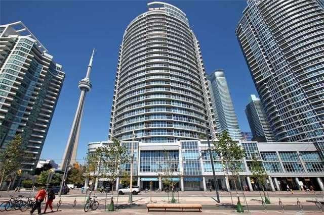 Condo Apartment at 218 Queens Quay W, Unit 1011, Toronto, Ontario. Image 13