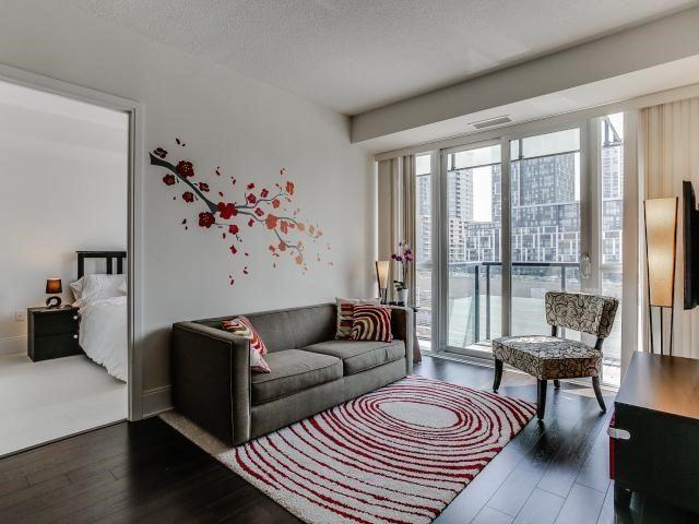 Condo Apartment at 560 Front St W, Unit 329, Toronto, Ontario. Image 15