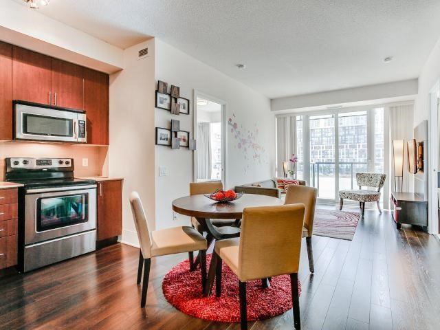 Condo Apartment at 560 Front St W, Unit 329, Toronto, Ontario. Image 18