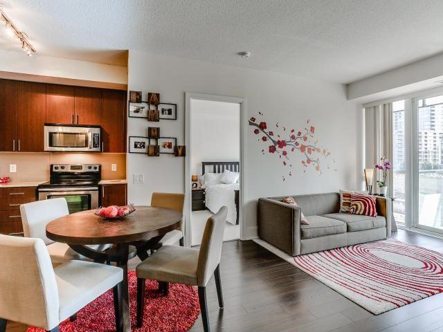 Condo Apartment at 560 Front St W, Unit 329, Toronto, Ontario. Image 19