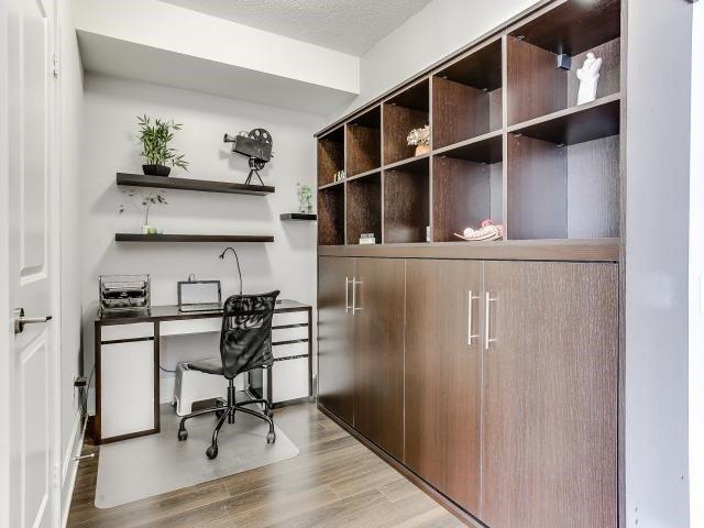Condo Apartment at 560 Front St W, Unit 329, Toronto, Ontario. Image 3