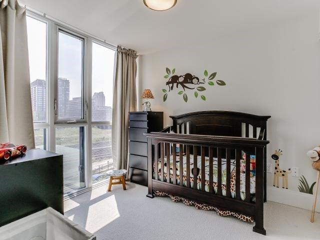 Condo Apartment at 560 Front St W, Unit 329, Toronto, Ontario. Image 6