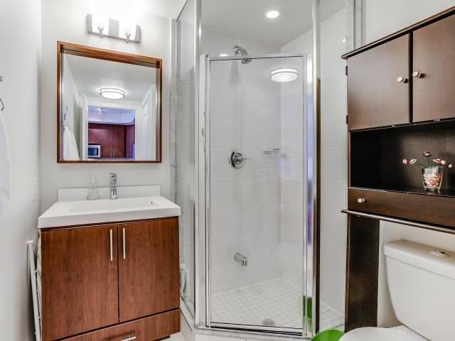 Condo Apartment at 560 Front St W, Unit 329, Toronto, Ontario. Image 7