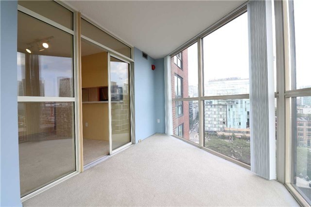 Condo Apartment at 701 King St W, Unit 1205, Toronto, Ontario. Image 12