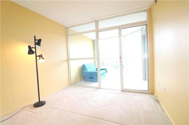 Condo Apartment at 701 King St W, Unit 1205, Toronto, Ontario. Image 16