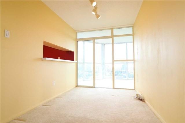 Condo Apartment at 701 King St W, Unit 1205, Toronto, Ontario. Image 2