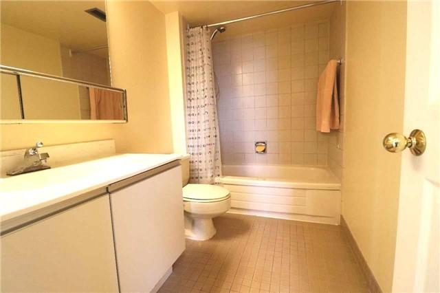 Condo Apartment at 701 King St W, Unit 1205, Toronto, Ontario. Image 3