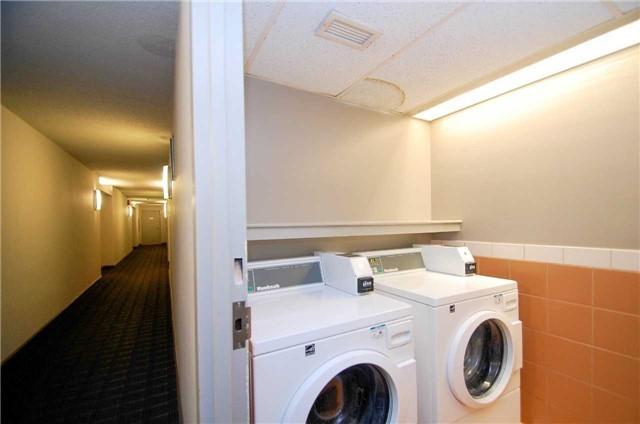 Condo Apartment at 701 King St W, Unit 1205, Toronto, Ontario. Image 4
