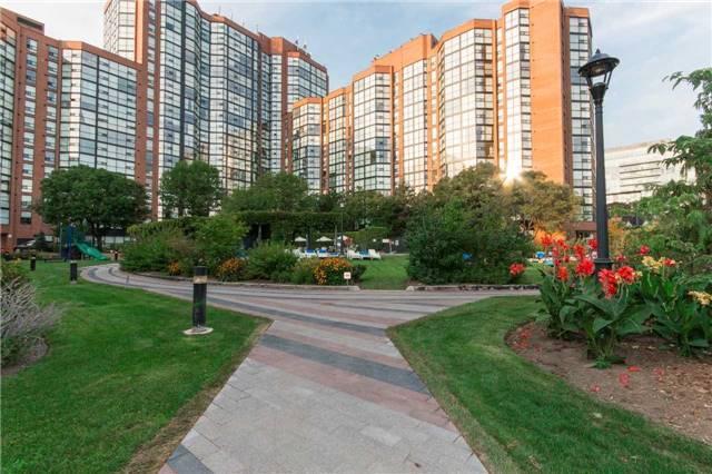 Condo Apartment at 701 King St W, Unit 1205, Toronto, Ontario. Image 7