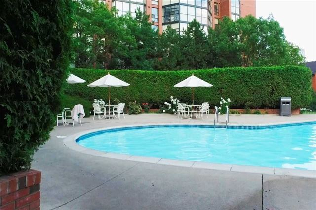 Condo Apartment at 701 King St W, Unit 1205, Toronto, Ontario. Image 8