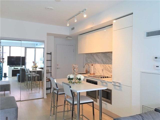 Condo Apartment at 57 St Joseph St, Unit 2011, Toronto, Ontario. Image 15
