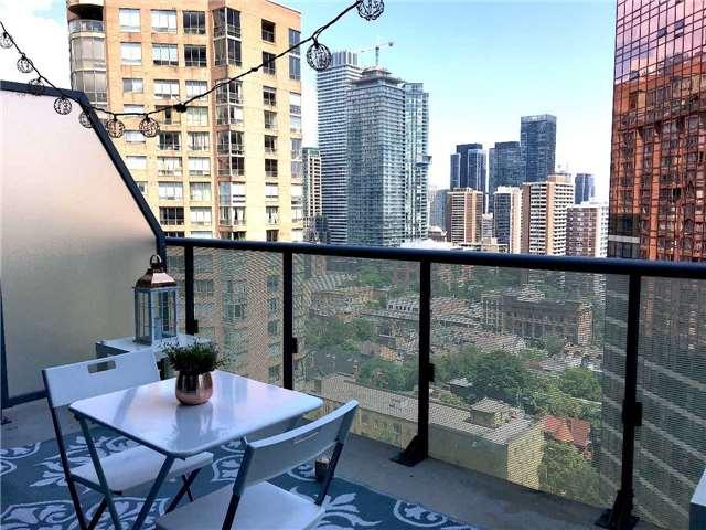 Condo Apartment at 57 St Joseph St, Unit 2011, Toronto, Ontario. Image 7