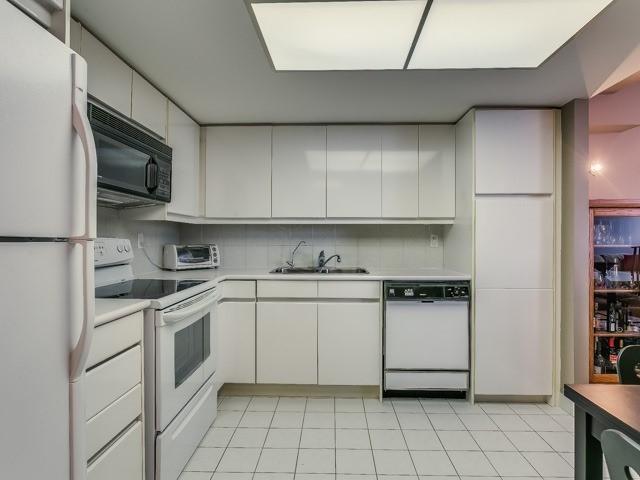 Condo Apartment at 500 Glencairn Ave, Unit 508, Toronto, Ontario. Image 3