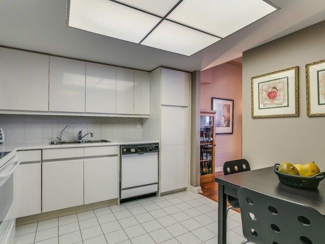 Condo Apartment at 500 Glencairn Ave, Unit 508, Toronto, Ontario. Image 4