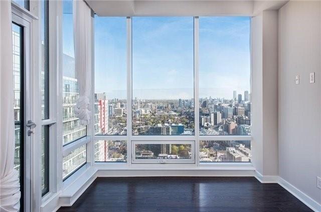 Condo Apartment at 295 Adelaide St W, Unit 4403, Toronto, Ontario. Image 1