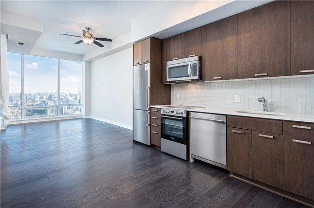 Condo Apartment at 295 Adelaide St W, Unit 4403, Toronto, Ontario. Image 7