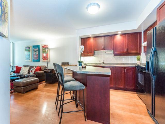 Condo Apartment at 123 Eglinton Ave E, Unit 313, Toronto, Ontario. Image 17