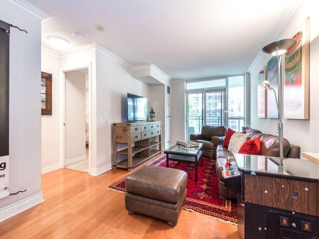 Condo Apartment at 123 Eglinton Ave E, Unit 313, Toronto, Ontario. Image 20