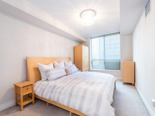 Condo Apartment at 123 Eglinton Ave E, Unit 313, Toronto, Ontario. Image 5