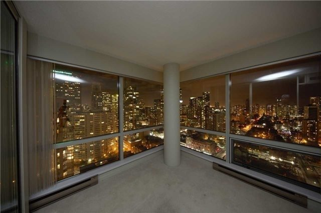 Condo Apartment at 1001 Bay St, Unit 2904, Toronto, Ontario. Image 2
