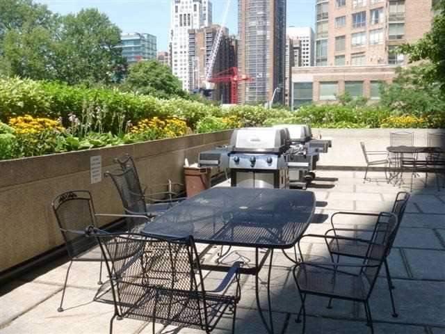 Condo Apartment at 1001 Bay St, Unit 2904, Toronto, Ontario. Image 10