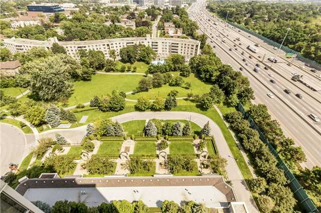 Condo Apartment at 3 Rean Dr, Unit 1807, Toronto, Ontario. Image 15