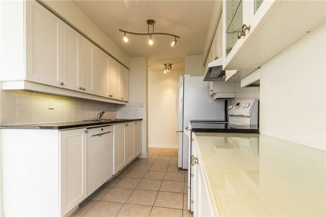 Condo Apartment at 3 Rean Dr, Unit 1807, Toronto, Ontario. Image 2