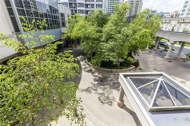 Condo Apartment at 3 Rean Dr, Unit 1807, Toronto, Ontario. Image 4