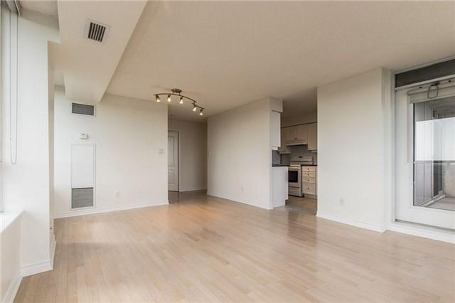 Condo Apartment at 3 Rean Dr, Unit 1807, Toronto, Ontario. Image 6