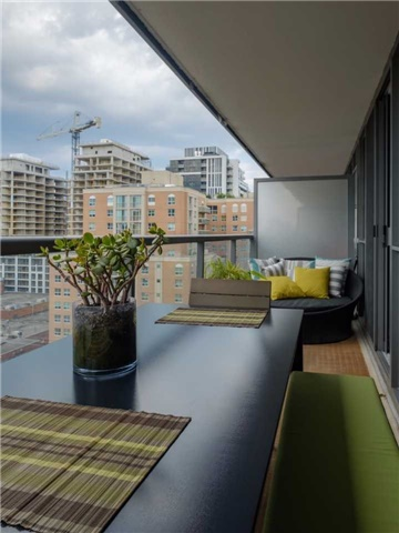 Condo Apartment at 320 Richmond St E, Unit 1119, Toronto, Ontario. Image 4